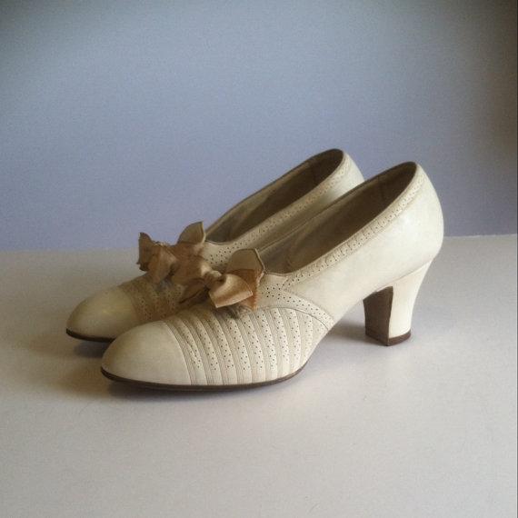 زفاف - Vintage 1930's Enna Jettick Ivory Leather Bow Shoes