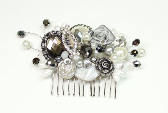 Hochzeit - Charcoal & Silver Bridal comb, Wedding Hairpiece, Gray Hair Clip, Charcoal Pearl Hairpiece, Vintage Pearl Hair Accessory-Hair accessories