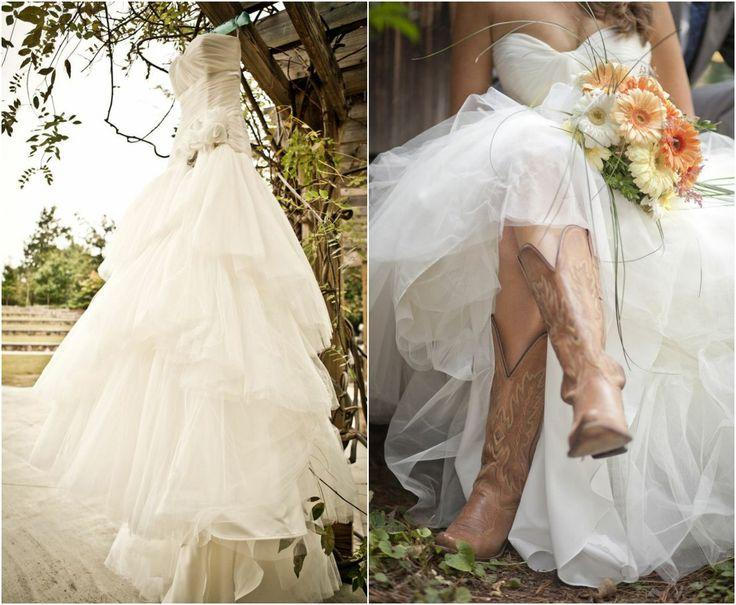 Свадьба - Rustic Wedding With Bridesmaids In Cowboy Boots