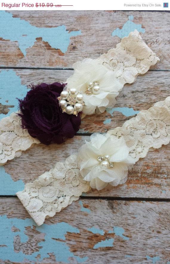 Свадьба - SALE ((LooK)) EGGPLANT  / Ivory  chiffon / wedding garter set / bridal  garter/  lace garter / toss garter included /  wedding garter