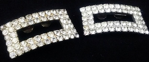 Mariage - Art Deco Shoe Clips Clear Ice Rhinestones Silver Metal High Fashion 2 in Vintage