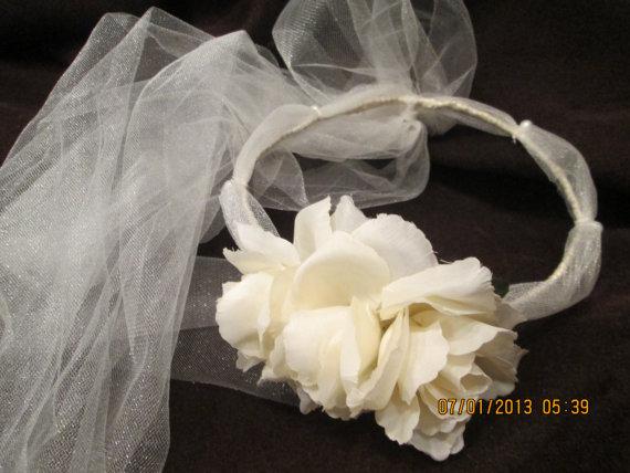 Mariage - Ivory bridal head piece - hair wreath with tulle - ivory bridal hair wreath - flower girl hair wreath -