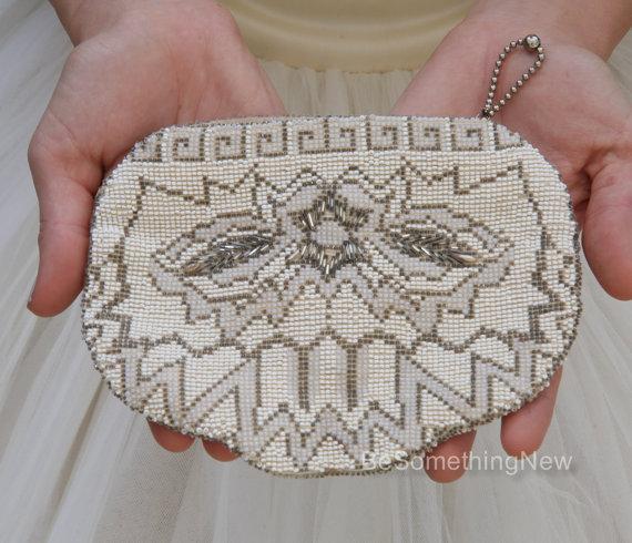 Свадьба - Vintage Beaded Wedding Clutch Purse, Ivory, Gold and Bronze Beaded Purse Accessory Wedding Purse Beaded Clutch Vintage Czechoslovakia Bag