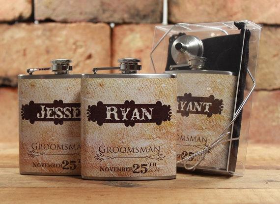 Свадьба - 5, Rustic Weddings, Groomsmen Gifts for Outdoor Weddings, Set of 5 Personalized Gift Flasks