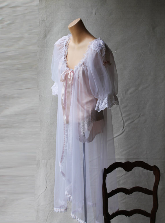 Wedding - 1950's Soft Sheer White Tricot Long Lingerie Peignoir Set Style Robe with Lace Cap Sleeve Pink Bows & Rosebuds size Medium
