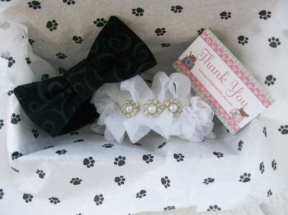 Свадьба - Dog Weddding Set Dog Collar with trimings and one with bow tie. Photo Prop and  Adoption Dog Cat Custom Order