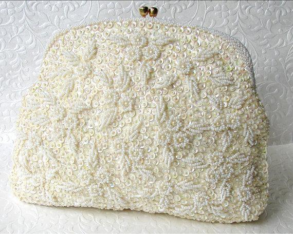 Mariage - Ivory Wedding Purse Vintage Bridal Handbag Walborg Richer Clutch Hand Seed Beaded Hong Kong Sequin Flowers Rhinestone Clasp Gold Chain Strap