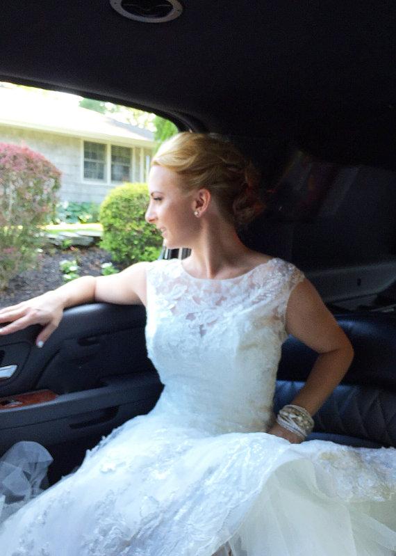 Hochzeit - Ivory Pearl Jewelry Bridal Multi Pearl Strand Bracelet Big Chunky Pearl Bracelet Elegant Wedding Bracelet Chunky Crystal Jewelry Bridal