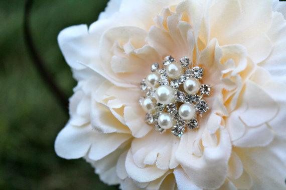 Свадьба - Wedding Flower Clip - Flower for Hair -  Small Peony Flower