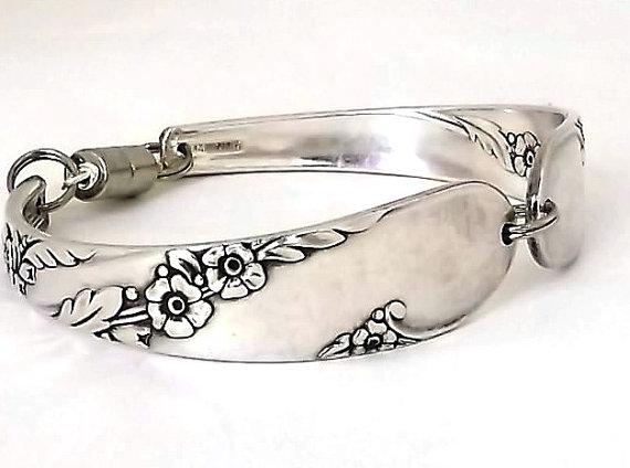 زفاف - Large Spoon Bracelet Bridal Wreath 1915 Handmade Jewelry Antique Silver Plate Upcycled Flatware Handle Vintage Silverware Floral Flower