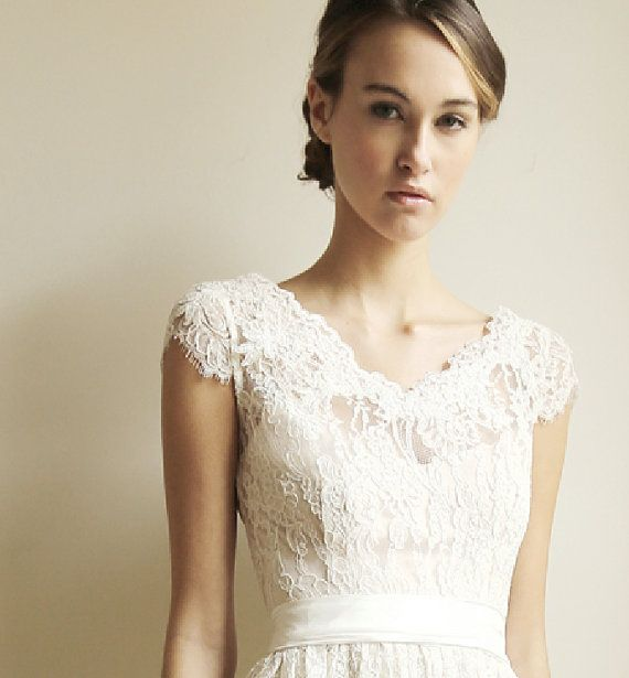 Mariage - Lace Cap-Sleeve Wedding Gown - Elissa