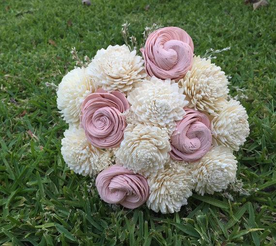 Свадьба - Handmade Natural Balsa Wood Flower Wedding Bouquet---Ivory and Blush Pink Sola Flower Small Bouquet