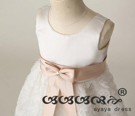 Свадьба - Lace Flower girl dress , junior bridesmaid dress, Tulle Satin  Lined Girl Dress.cheap bridesmaid dress.custom flower girl dress,party dress
