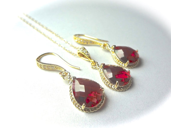 Mariage - Red Necklace and Earring set - Teardrop set - Gold filled - Bridal Jewelry - Bridesmaids - July birthstone - HIGH QUALITY -
