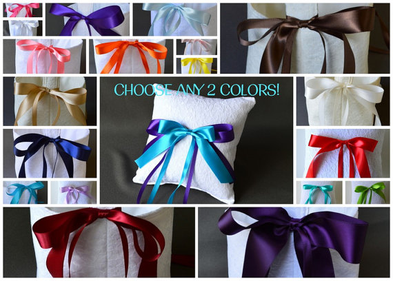 Mariage - Custom lace wedding ring pillow, YOU CHOOSE any 2 ribbon colors!