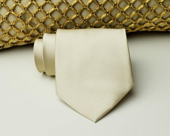 Mariage - Champagne Necktie. Groomsmen Neckties. Champagne Wedding. Champagne. Champagne Groomsmen. Wedding Neckties. Mens Necktie.