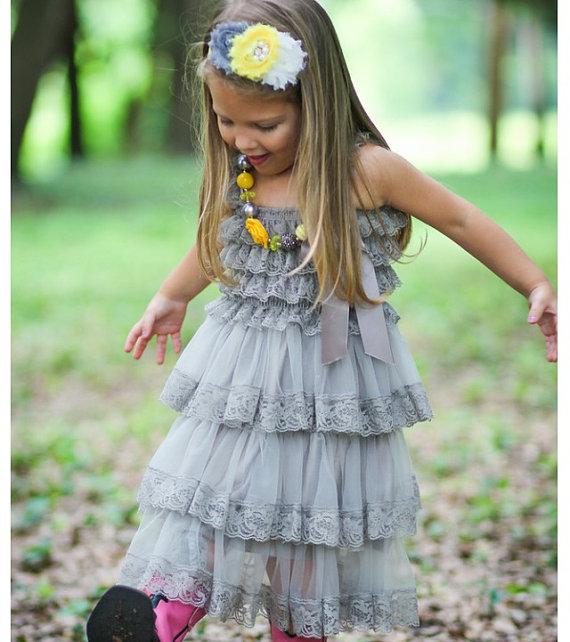 Mariage - Gray Chiffon Girls Dress- Flower Girl Dresses- Cream dress- Lace dress- Rustic Girls Dress- Baby Lace Dress- Junior Bridesmaid