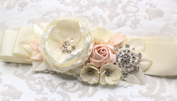 Mariage - Ivory Nude Peach Rose Beaded Sash/ Wedding Ribbon Sash/ Free Shipping on Additional Items