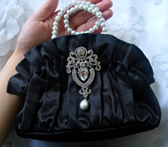 Свадьба - Bridal handbag, black purse, bridal clutch, wedding purse, bridal satin purse, bridesmaid purse, wedding clutch, rhinestone brooch, vintage