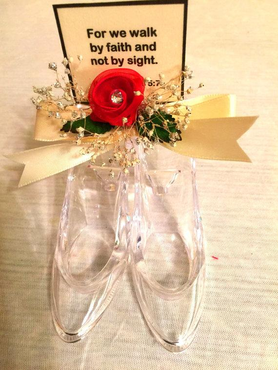 "Mariage - Miniature Floral Design Acrylic Shoes ""Walk By Faith"" Inspirational Personalized Wedding Dinner Table Favors"