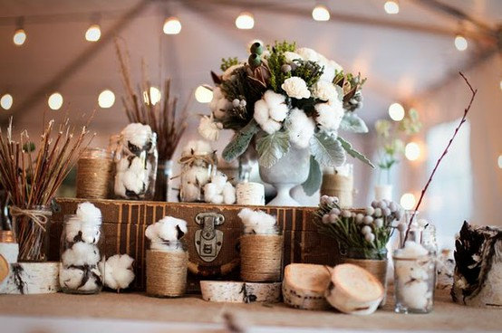 Mariage - Freshly picked organic natural cotton in the raw to create wedding bouquet reception rustic home decor