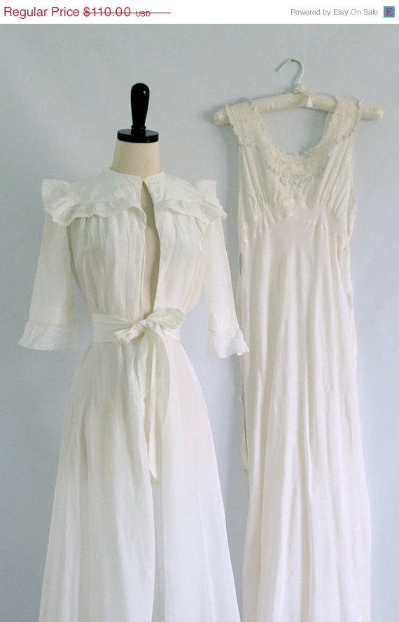 Wedding - Vintage 1940s Lingerie Set 1940s Peignoir Set 40s Lingerie White Silk Lingerie Set Womens Silk Nightgown Silk Robe Extra Small XS