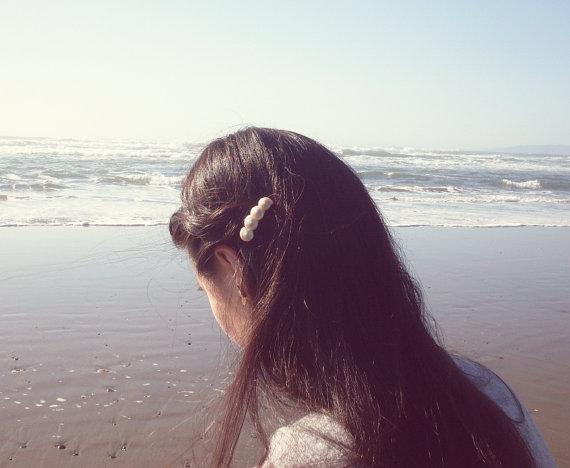 Mariage - Pearlized Seashell Hair Clip Sea Shell Hair Clip Sea Shell Barrette Seashell Barrette Mermaid Hair Beach Wedding Bridal Hair Accessories