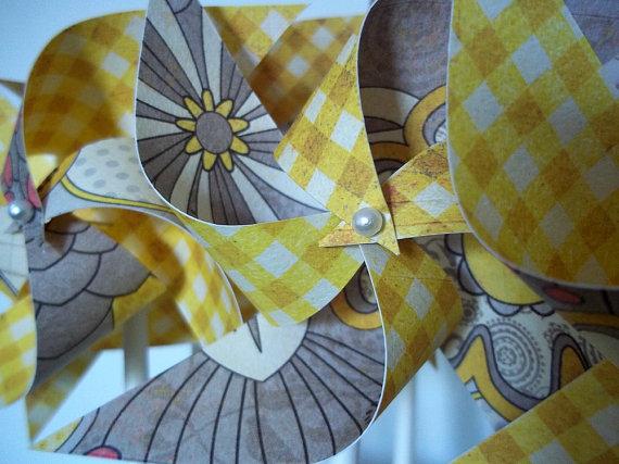 Свадьба - Yellow & Grey Floral Wedding Paper Pinwheels. Gray and Yellow (set of 10 small) Checkered Golden Sun