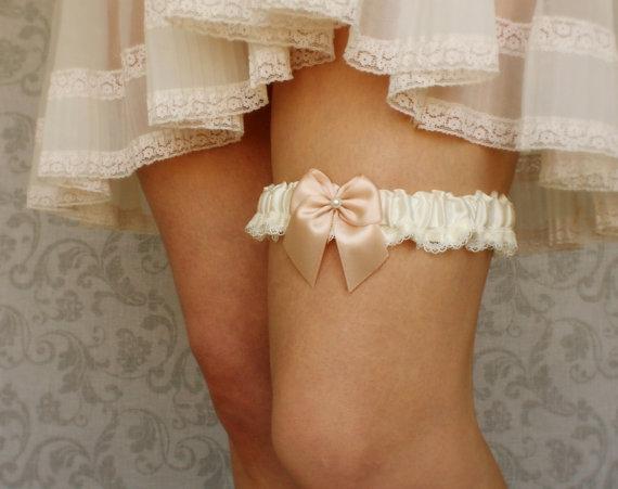 زفاف - Wedding Garter: Blush Pink & Ivory Bridal Garter - Silk and Lace - Available in Ivory or White - Choose Your Bow Color