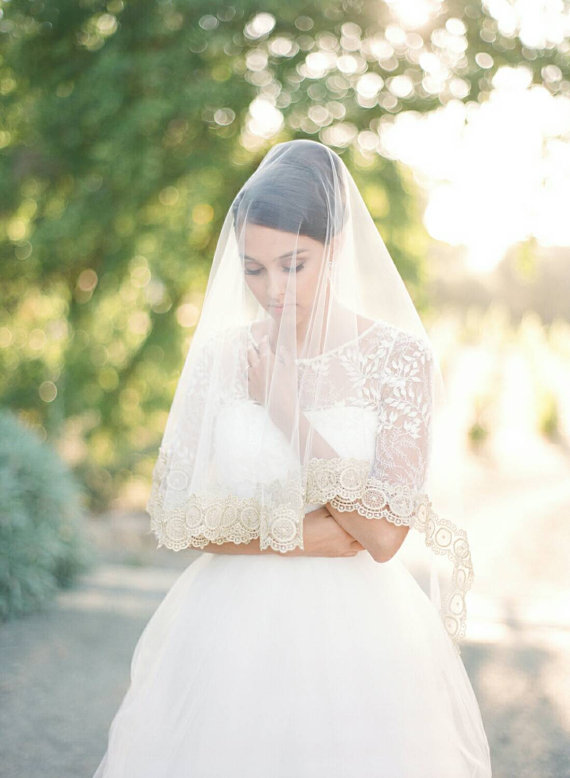 Mariage - Veil, Gold Wedding Veil, Cathedral Veil, Bridal Veil, Mantilla Veil, Bridal White Veil, Gold Lace Cathedral Veil, Bridal Illusion Tulle Veil