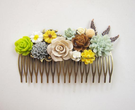 Свадьба - Wedding Hair Accessories Custom Made Hair Comb for Bride Bridal Headpiece Ivory Cream Yellow Mint Green Brown Sage Pastel Floral Hair Slide