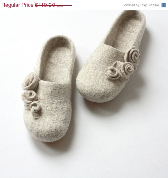 94e054366371f SUMMER SALE Women Slippers - Felted Wool Slippers From Natural Beige ...