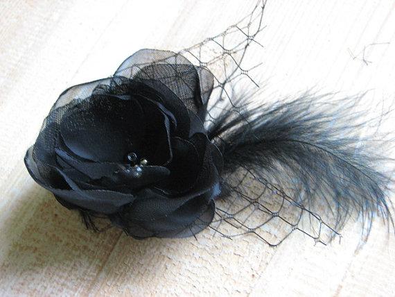 Свадьба - Black hair flower Black hair clips Black fasciantor  Black veil Black hair feathers clips Black tulle headpiece Black flower gift Gift idea