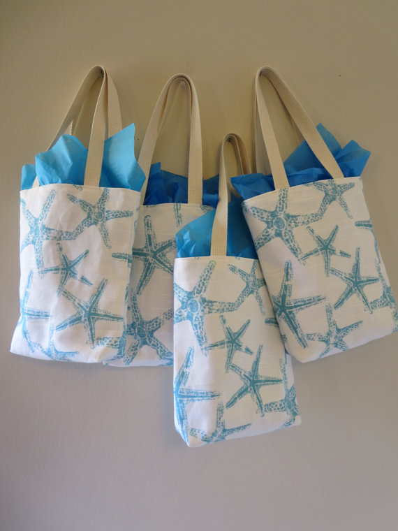 Mariage - Bridesmaid Totes - 7 Starfish Mini Totes - Bridesmaids Bag - Wedding Welcome Bags - Beach Wedding Favors -