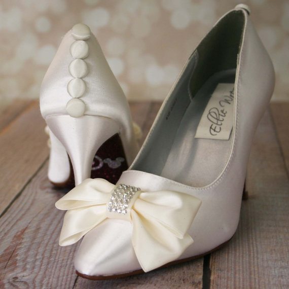 Свадьба - Custom Wedding Shoes -- Ivory Closed Toe Wedding Shoes with Ivory Bow on Toe and Ivory Buttons