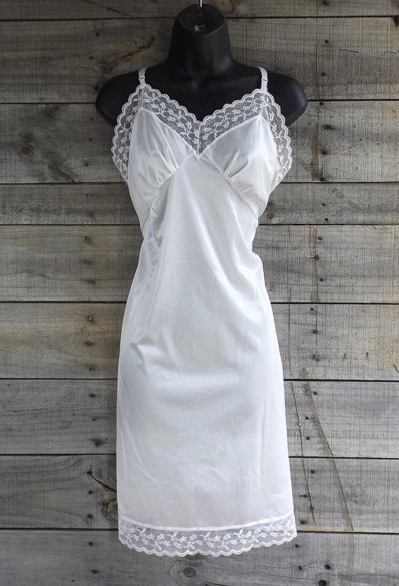 fd4b3539784 Vintage White Lacey Full Slip Sexy Lingerie Retro 70 s Women s Size 36 M  Medium Lace Knee Length