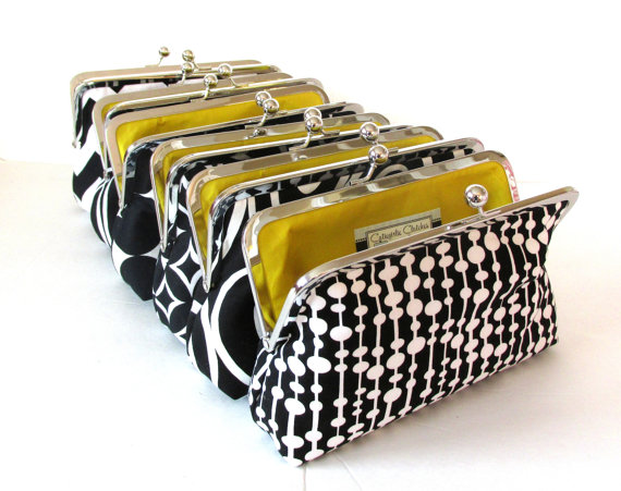 Свадьба - Clutch Purse Bridesmaids Gifts, Customized Clutch, Personalized Wedding Party Present  you choose the fabrics
