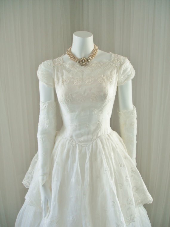 1950 White Wedding Peplum Dress With Ballgown Skirt And Caplets In ...