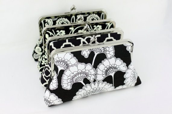 Свадьба - Black Floral Bridesmaid Clutches / Monogrammed Wedding Clutches / Design Your Wedding Clutches - Set of 7