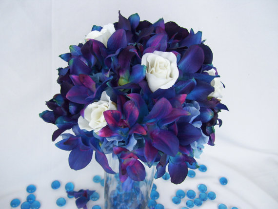 Blue Violets Bouquet images