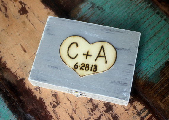 Свадьба - Ring Bearer Box  Rustic Wedding Personalized with Wood Heart (Your Color Choice)