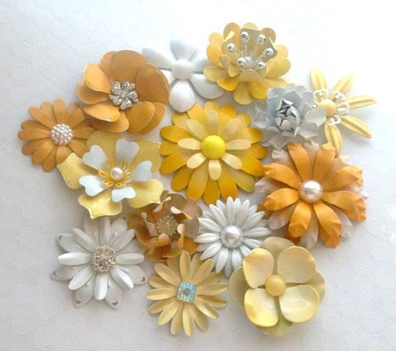 Hochzeit - White and Yellow Enamel Flower Brooch Lot 14 Handmade Metal Pins Lemon Sunny Goldenrod Yellow Metal Flowers Yellow Brooch Bouquet Broach