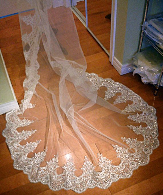 Mariage - Lace Cathedral Veil, Drop Veil, Cathedral Veil, Alencon Lace Veil, Wedding Veil, Bridal Veil, Mantilla Veil, Beaded Lace Veil