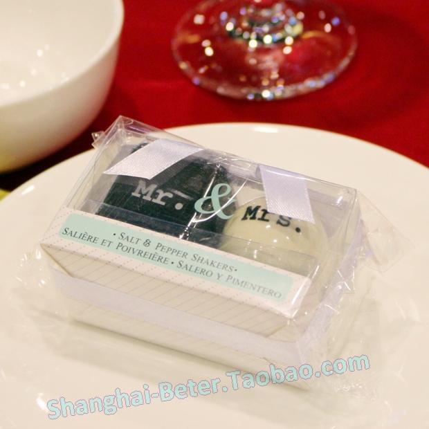 Wedding - Aliexpress wholesale Mr. & Mrs. Porcelain Salt and Pepper Shakers TC013 Wedding Gift,