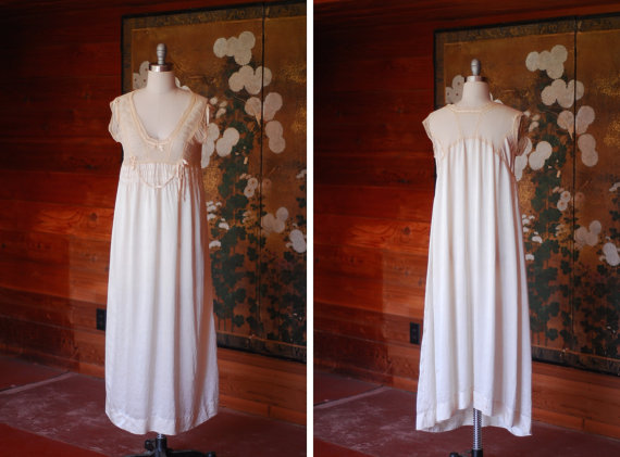Свадьба - vintage 1920s lingerie / 20s white silk and lace nightgown  / size medium large