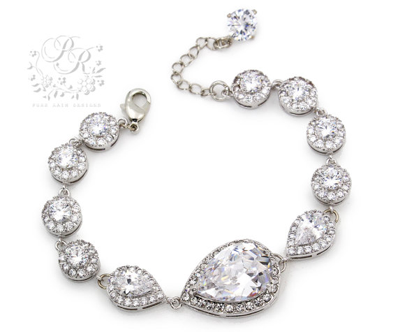 Mariage - Wedding Bracelet Platinum plated Zirconia Rhinestone Bracelet Wedding Jewelry Bridal Bracelet Bridesmaid Bracelet Wedding Accessory Tvis