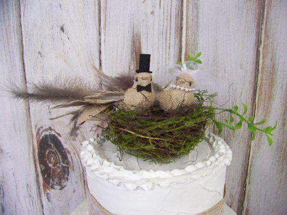 Mariage - Bird Cake Topper and Twig Moss Nest- Wedding Cake Topper, Burlap Cake Topper, Bride and Grooms' Cake