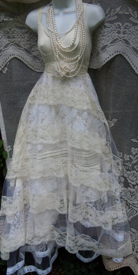 Mariage - Lace wedding dress ivory  tiered  tulle boho vintage  bride outdoor  romantic small medium by vintage opulence on Etsy