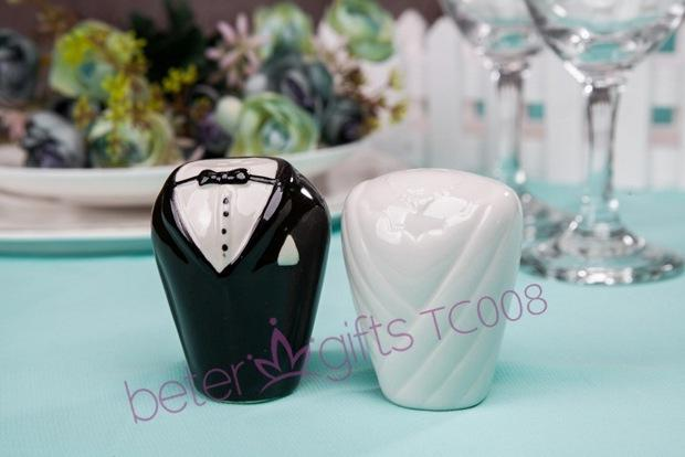 Hochzeit - 36pair(2pcs/box) Bride and Groom teatime mate Gift Set TC008 from Reliable wedding decor supplies suppliers on Shanghai Beter Gifts Co., Ltd.