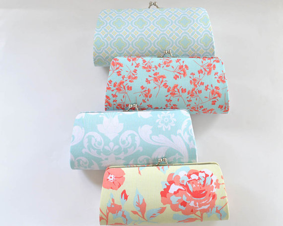 Свадьба - SET of 7 Clutches - PICK your own fabrics - Medium clutch - Bridesmaids Gift  - Wedding clutches - For her